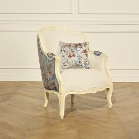The VICTOR Armchair - Maple